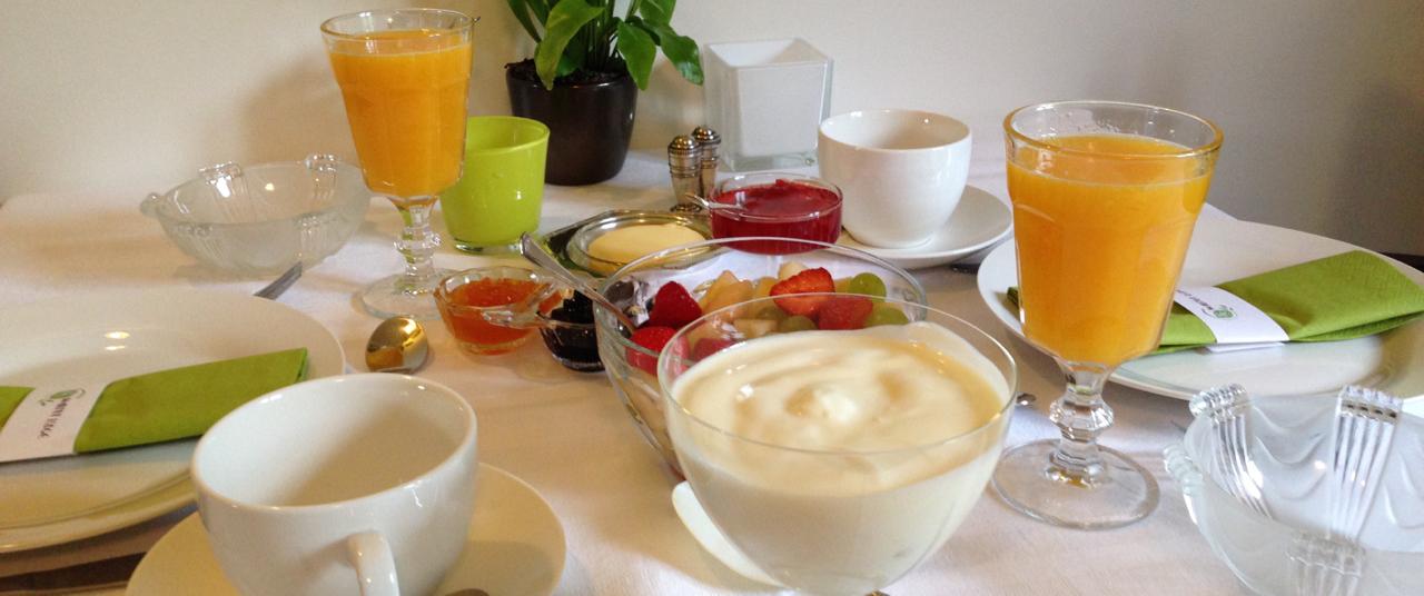Breakfast_table-1-1